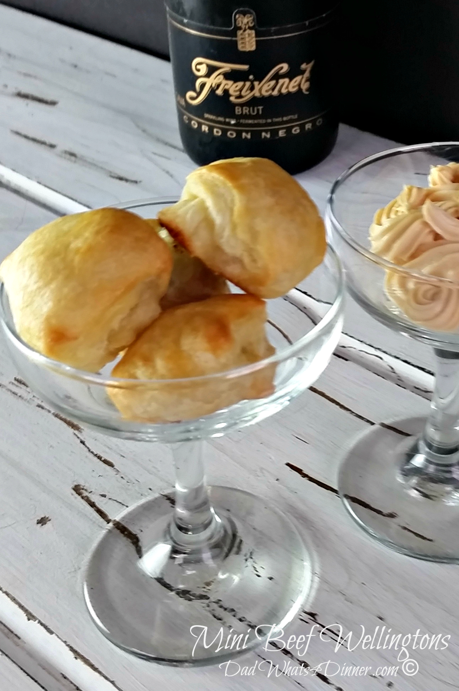 Mini Beef Wellingtons | https://dadwhats4dinner.com/